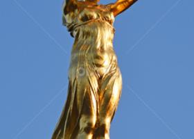 Jovan Pavlović: Zlatna majka